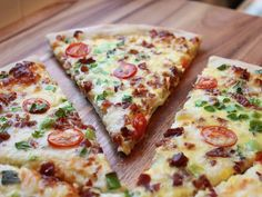 Scrambled Egg Pizza - Recipe Betty Crocker This looks very good and healthy too! Breakfast Pizza, What's For Breakfast, Breakfast Recipes, Breakfast Cupcakes, Morning Breakfast, Breakfast Dishes, Morning Food, Breakfast Casserole, Betty Crocker