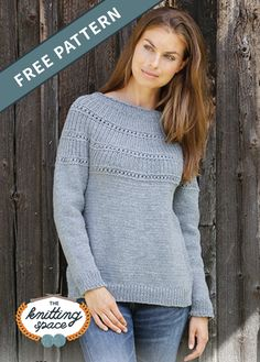 Make this chic and versatile knitted sweater in time for fall and winter. Free Knitting Patterns For Women, Double Knitting Patterns, Jumper Knitting Pattern, Vintage Crochet Patterns, Knitting Designs, Knitting Blogs, Vogue Knitting, Knitting Stitches, Knitting Tutorials