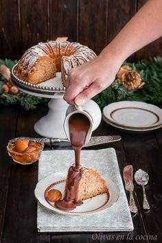 Bundt cake de castañas con Salsa de chocolate. Preparando recetas para la Navidad. Olivas en la cocina