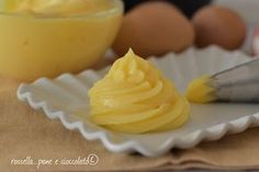 Vi occorre la mia ricetta su come fare una crema pasticcera solida e compatta seguite tutti i segreti per la preparazione e vedrete che i vostri.