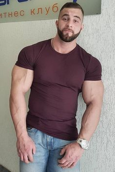 Strong Guy, Male Chest, Men Tumblr, Natural Man, Body Building Men, Awesome Beards, Handsome Faces, Muscular Men, Hair And Beard Styles