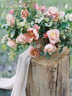romantic blush centerpiece bouquet | image via: 100 layer cake