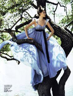 Magdalena Frakowiak by Arthur Elgort for Vogue China May 2007