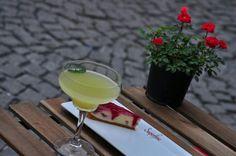 Lemonade and cheesecake