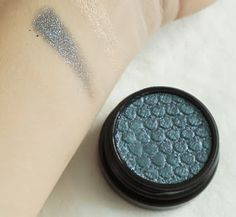 ColourPop Now Playing 2016 Holiday Collection Patchwork Super Shock Shadow in an ultra glitter finish. Described as turquoise with duo-chrome glitter.