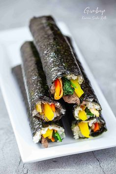 I choose colorful and healthy ingredients for kimbap. This kimbap recipe has detail instructions, photos, video and tips on how to make kimbap or gimbap (김밥) a classic Korean sushi rolls. Easy Chinese Recipes, Asian Recipes, Ethnic Recipes, Sushi Recipes, Cooking Recipes, Healthy Recipes, Healthy Sushi Rolls, Gimbap Recipe, Korean Food