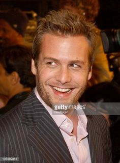 かわいいー♪ Gabriel Macht during 'A Love Song For Bobby Long' Los Angeles Premiere…