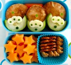 5 Disney-Inspired Lunches You'll Want to Stare At Forever | Yum | Oh My Disney