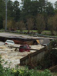 #BreakingNews Lake Elizabeth Dam breached near Wilson Rd.