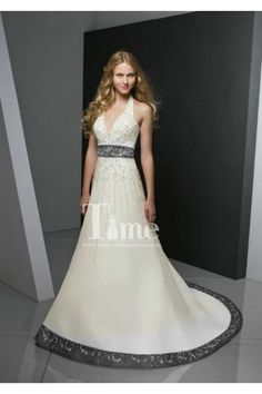 Sexy Halter Embroidery Black And White Wedding Dresses 2014 New Arrival WD140122