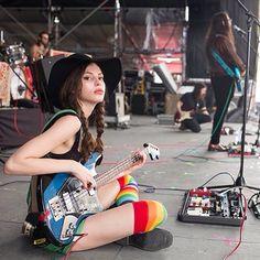 To Play Bass Guitar Learning Instruments Code: 9426414828 Kemp Muhl, Music Rock, Sean Lennon, Women Of Rock, Rocker Girl, Estilo Rock, Guitar Girl, Female Guitarist, Music Aesthetic