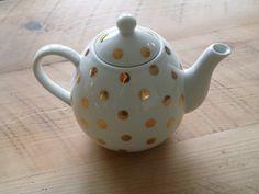 gold polka dot tea pot. via: be golden