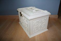 vintage sewing box 14x9x9 $45