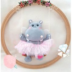 1 million+ Stunning Free Images to Use Anywhere Baby Crafts, Diy And Crafts, Diy For Kids, Crafts For Kids, Crochet Wall Art, Baby Gifts To Make, Felt Crafts Patterns, Baby Deco, Felt Templates
