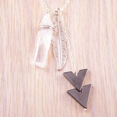 Arrow Necklace Silver-Colored.