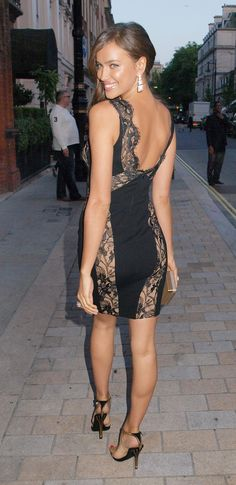 love her dress & heels. she looks so sexy!!