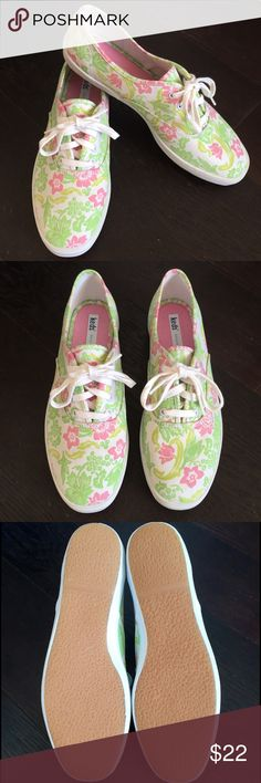 • KEDS • NWOT• • NWOT • KEDS originals. Such a fun pattern! (These look big to me. I think they are Jr. Size) Keds Shoes Sneakers