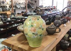 Hand painted blue vase from Yuzuriha studio #ceramics #japaneseceramics #pottery #japanesepottery #handpainted #seto #vase #flowervase
