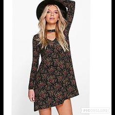 "NWT Boho Hippie Floral Dress Sz 6 95% Viscose, 5% Elastane. Flat Measurement of Garment: Shoulder to Hem 33"", Sleeve Length 24.5"". Machine Washable. Model Wears Size 6 Dresses Mini"