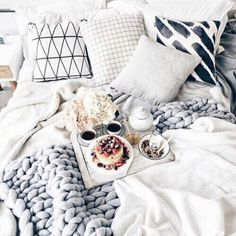 Saturday morning vibes via @interiormilk. Ahhhhh #whitefoxstyling