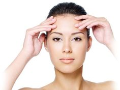 Remove forehead wrinkles naturally with home remedies and forehead wrinkle massage.Natural forehead wrinkle treatment cures deep forehead wrinkles with no side effects. At Home Hair Removal, Laser Hair Removal, Forehead Lift, Coconut Oil Beauty, Brow Lift, Beauty Tips For Hair, How To Get Rid Of Acne, Beauty Hacks, Human Body