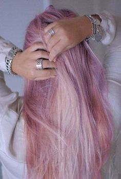 Dye your hair simple & easy to pink hair color - temporarily use pink hair dye to achieve brilliant results! DIY your hair pink with crazy pink hair chalk Ombré Hair, Dye My Hair, New Hair, Blonde Hair, Blonde Ombre, Blonde Color, Blonde Pink, Silver Blonde, Brunette Hair