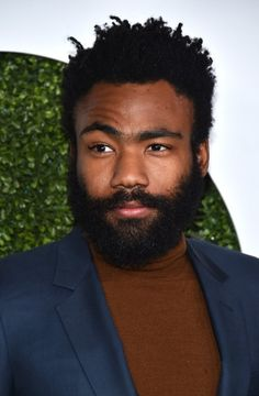 Donald Glover Photos Photos - Actor/rapper Donald Glover attends the GQ Anniversary Men Of The Year Party at Chateau Marmont on December 2015 in Los Angeles, California. - GQ Anniversary Men of the Year Party - Arrivals Donald Glover, Black Men Hairstyles, Celebrity Hairstyles, Men's Hairstyles, Barba Sexy, Black Men Beards, Bald With Beard, Sexy Beard, Childish Gambino
