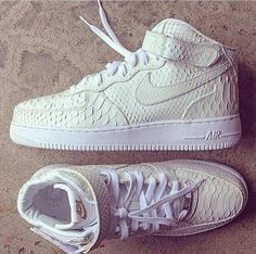 Nike air crocodile