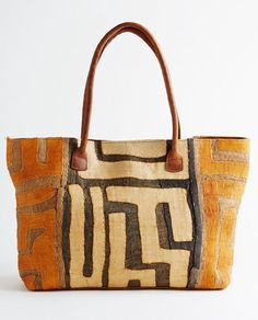 Ivory Graphic Pattern Kuba Cloth Tote by Global Girls Sacs Tote Bags, Reusable Tote Bags, My Bags, Purses And Handbags, Fashion Bags, Fashion Accessories, Fashion Clothes, Carpet Bag, Boho Bags