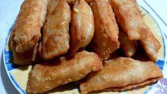 Παραδοσιακά κρητικά κολοκυθοπιτάκια με χειροποίητο τραγανό φύλλο Sausage, Bacon, Appetizers, Chicken, Meat, Breakfast, Recipes, Food, Morning Coffee