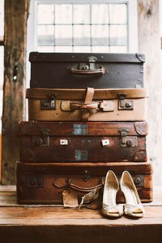 Love the #vintage #leather suitcases and #wedding shoes for a photo idea.