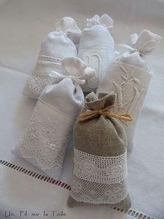 dentelle et sachet de lavande Lavender Bags, Lavender Sachets, Sewing Hacks, Sewing Crafts, Sewing Projects, Sachet Bags, Doilies Crafts, Scented Sachets, Creation Couture
