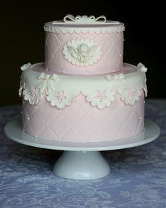 christening cake - adoro o efeito renda