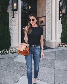 spring university outfits best outfits Paola Style Image source SEE DETAILS Classy Outfits, Casual Outfits, Fashion Outfits, Dress Fashion, Cute Date Outfits, Date Outfit Casual, Fashion Shorts, Women's Fashion, Minimalist Dresses