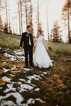 Heiraten da, wo man zu Hause ist  #afterweddingshooting #realwedding #Sylviafelbermayr  #Kirchdorf #Windischgarsten #Hinterstoder   Sylvia Felbermayr Hochzeitsfotografin Oberösterreich Roses&Lavenderphotography
