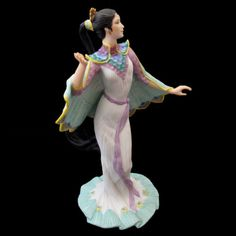 From Lenox and its Legendary Princesses Collection, 1991 | Fine porcelain, Handpainted | Includes certificate of authenticity | 9 inches tall