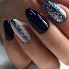 Semi-permanent varnish, false nails, patches: which manicure to choose? - My Nails Fall Gel Nails, Short Gel Nails, Winter Nails, Summer Nails, Blue Matte Nails, Blue Glitter Nails, Neutral Nails, Black Sparkle Nails, Red Nail