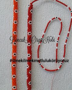 This Pin was discovered by Ute Crochet Beaded Bracelets, Bead Loom Bracelets, Beaded Jewelry, Handmade Jewelry, Chain Jewelry, Beaded Necklace, Bead Crochet Patterns, Bead Crochet Rope, Beading Patterns
