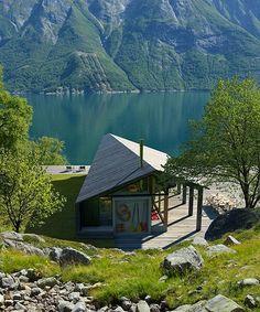 Cool folded cabin