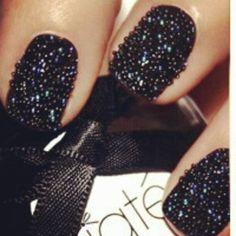 Drooling over the #Ciate #Caviar #Manicure @maskscarasa