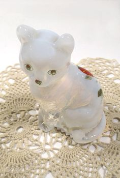 Vintage Fenton Opalescent Cat  Handpainted by UrbanRenewalDesigns, $24.00