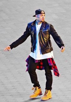 Guy obsessions !!  Chris brown !
