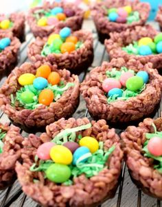 Rice Krispie Treat Robin's Nest -SO CUTE!!
