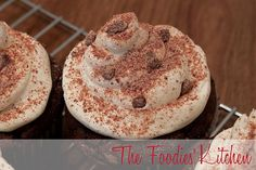 With some Guatemalan Chocolate available and wanting to bake, what better than a Guatemalan Chocolate Cupcakes recipe?