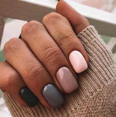 Beautiful winter nails Beige nail art Grey gel polish Modern nails Multi-color nails Nails in pink shades Beige Nail Art, Beige Nails, Gradient Nails, Brown Nails, Best Nail Art Designs, Simple Nail Designs, Gel Polish Designs, Grey Nail Designs, Trendy Nails