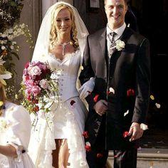 die schönsten hochzeitskleider aller zeiten | Daniela Katzenberger: Fotos ihres Wunsch-Hochzeitskleides | GALA.DE