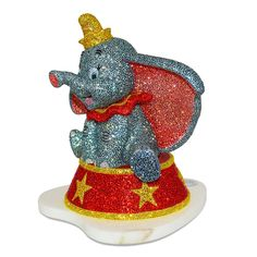 Dumbo will send your heart soaring as this exquisitely sculptured figurine by Arribas Brothers featuring Swarovski crystals. Disney Dogs, Disney Parks, Walt Disney, Dumbo Characters, Resort Logo, Flying Elephant, Minnie Bow, How To Make Animations, Dog Pajamas