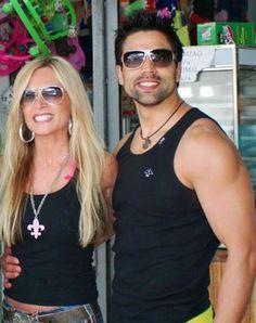 . Odd Couples, Wayfarer, Sunglasses Women, Ray Bans, Tank Man, Mens Tops, Style, Fashion, Swag