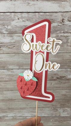 First Birthday Favors, 1st Birthday Cake Topper, 1st Birthday Party Themes, Baby Girl First Birthday, Birthday Diy, Birthday Decorations At Home, Strawberry Birthday Cake, Diy Cake Topper, First Birthdays