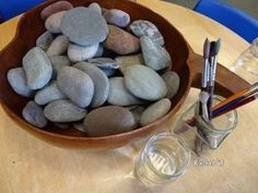 A simple & fun activity for the Early Years with stones & water - great for fine motor skills. - Great for older patients too! Motor Activities, Sensory Activities, Preschool Activities, Nature Activities, Preschool Art, Sensory Play, Preschool Tables, Nursery Activities, Sensory Bags
